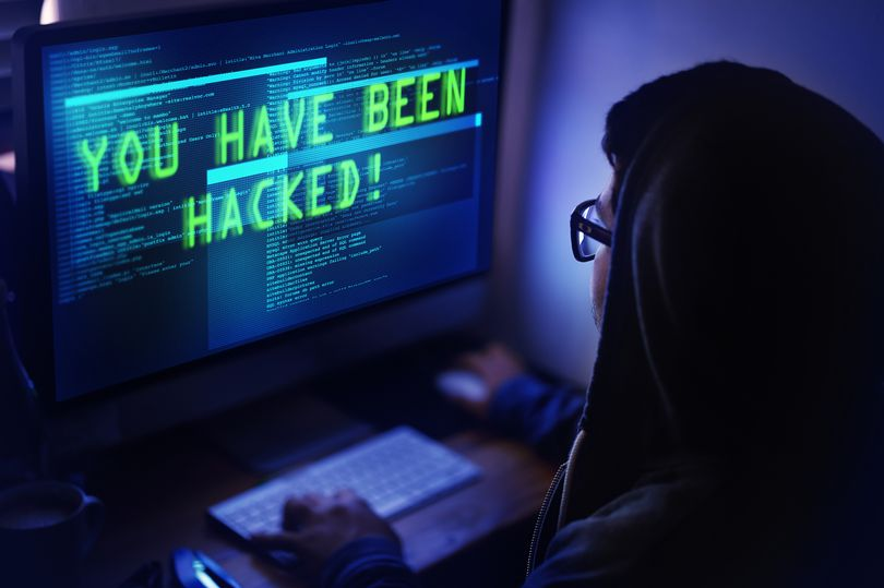 How hackers can attack you and how to stay safe ?